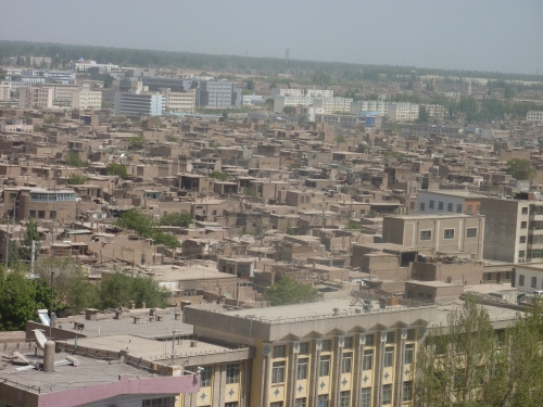 kasher = the old fabled Uyghur town surrounded by the modern Chinese city.