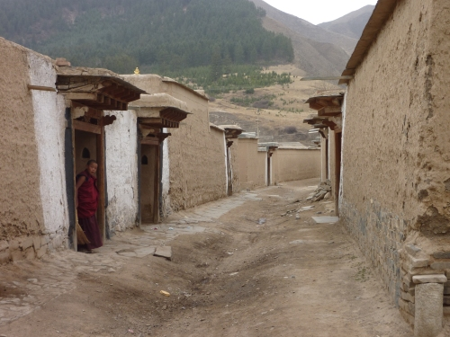 Here is a typical row of monks' dormitories...must be cold in winter!