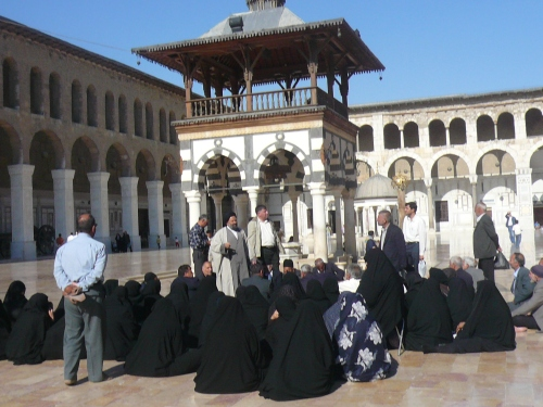Women in the courtyard of the Grand Mosque