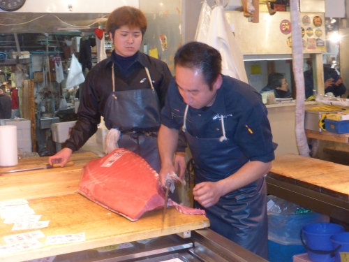 Slicing the tuna